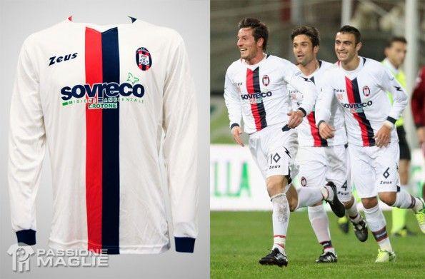 Seconda maglia bianca Crotone 2012-2013