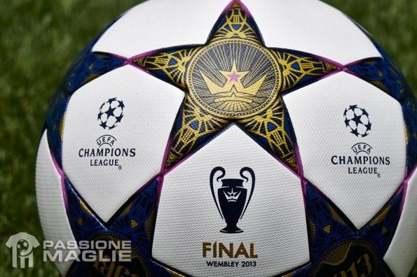 Dettaglio pallone adidas Finale Wembley