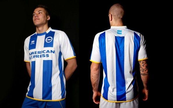 La divisa del Brighton & Hove Albion 2013-2014