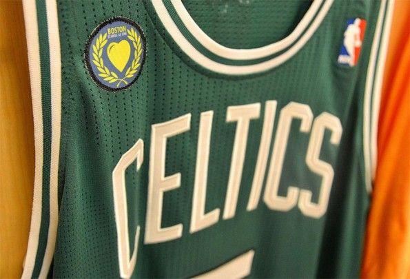 Patch Boston Celtics ricordo vittime maratona
