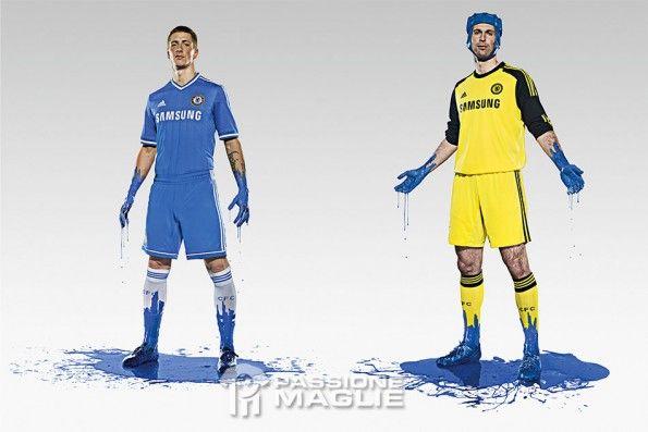 Torres e Cech con le divise del Chelsea 2013-14