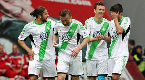 Divisa Wolfsburg contro il Borussia Dortmund