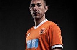 Prima maglia Blackpool 2013-2014 Erreà
