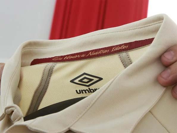 Dettaglio kit speciale Universitario Deportes
