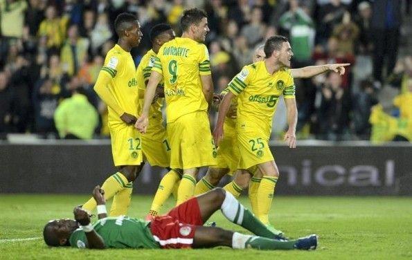 Nantes indossa divisa 2013-2014 contro il Brest