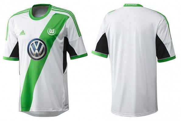 La maglia 2013-2014 del Wolfsburg prodotta da Adidas