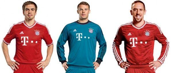 Lahm, Neuer e Ribery con le maglie del Bayern 2013-2014