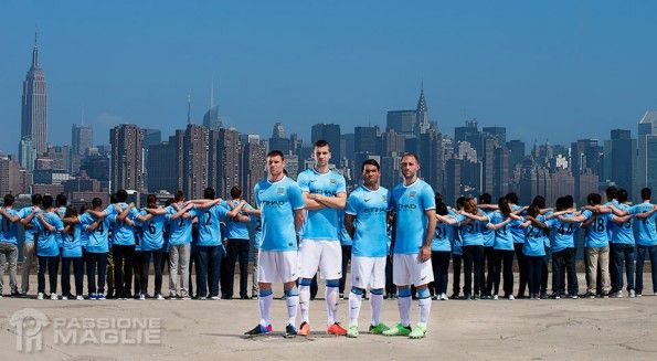 Presentazione kit Manchester City New York
