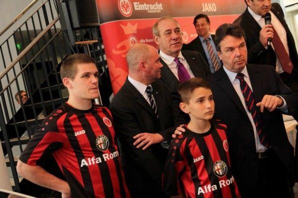 Kit home Jako Eintracht Frankfurt 2013-2014