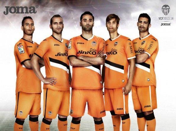 Kit away Valencia 2013-2014