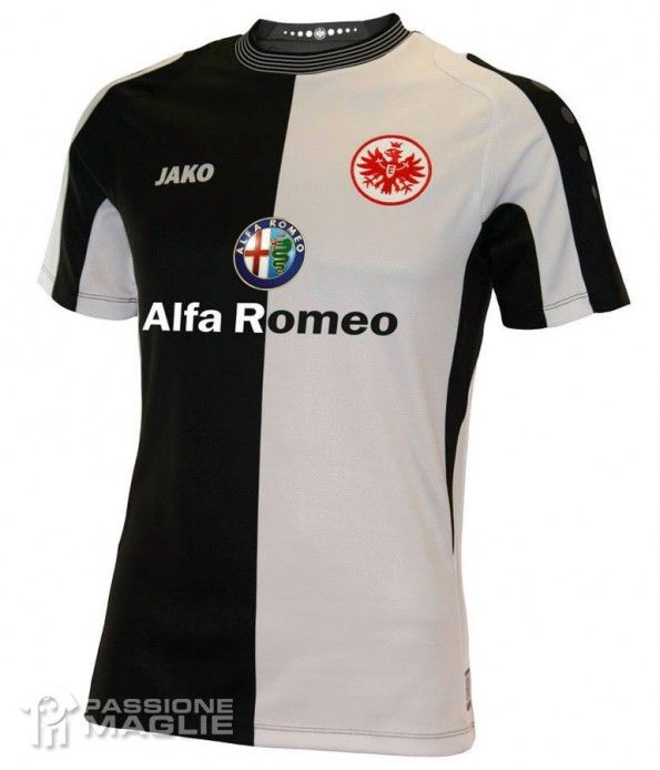 Seconda maglia Eintracht Francoforte 2013-2014