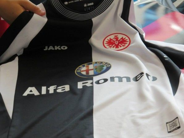 Sponsor Alfa Romeo maglia away Eintracht