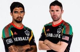 Third kit Los Angeles Galaxy 2013