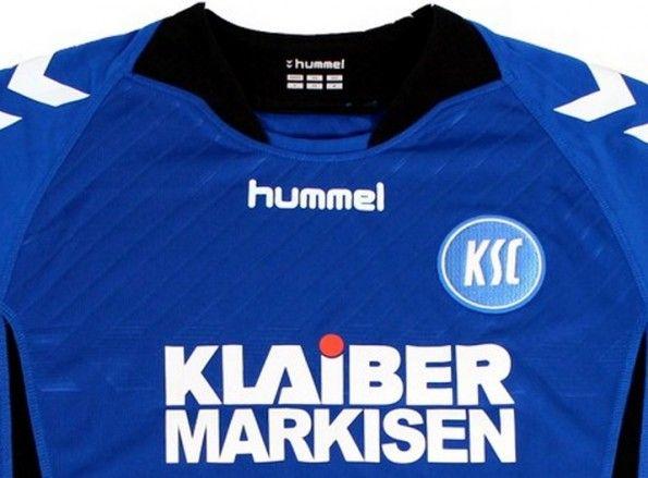 Dettaglio grafica Hummel maglia Karlsruhe 2013-2014