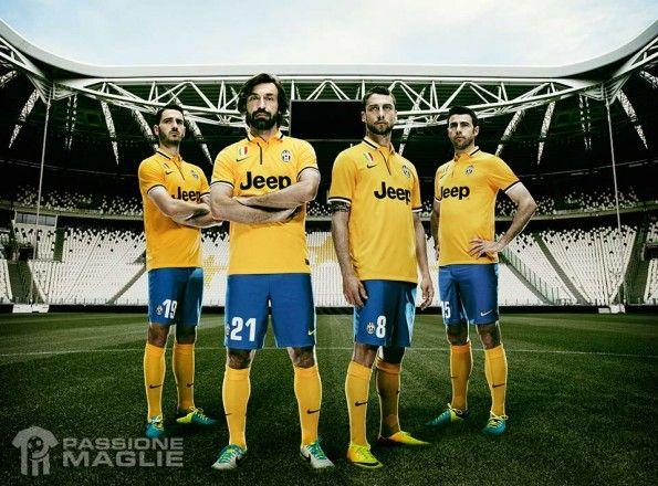 Kit Juventus away 2013-2014