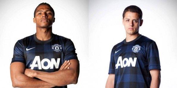 Nani Hernandez kit away Manchester United 2013-14