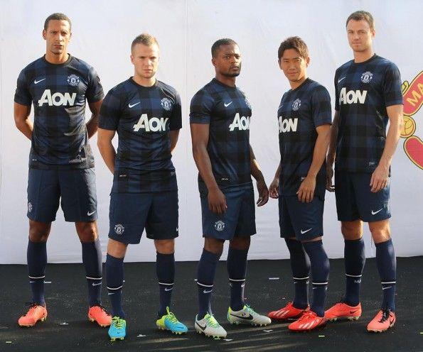 Presentazione seconda maglia Manchester United 2013-14
