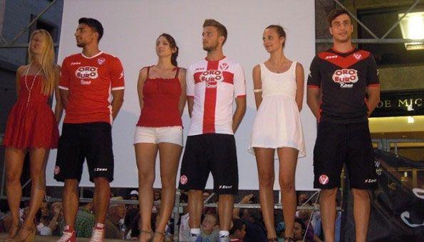 Presentazione kit Varese 2013-2014