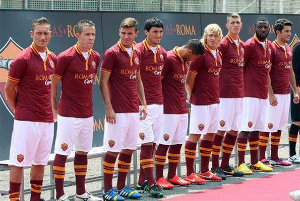 Presentazione maglie AS Roma 2013-2014
