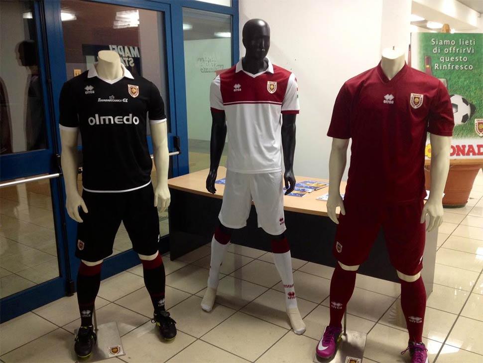 Divise Reggiana 2013-2014 Erreà