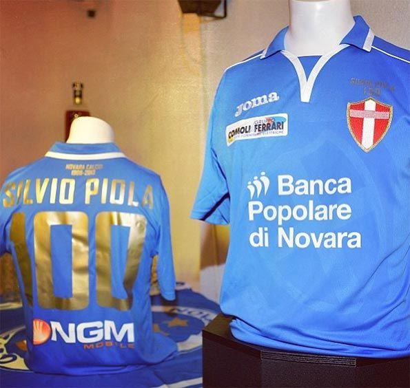 Maglia celebrativa Novara Piola