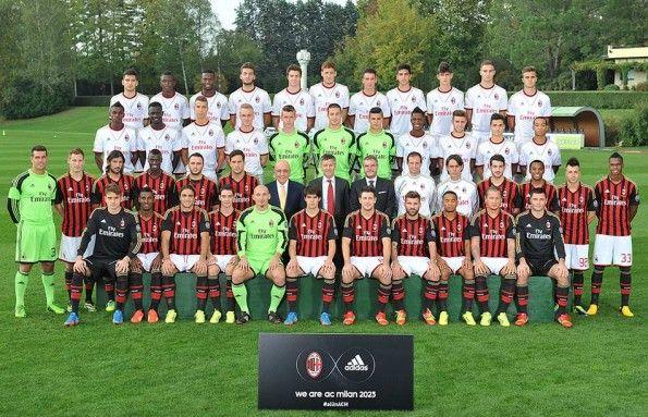 Foto gruppo rinnovo Milan adidas