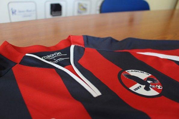 Colletto prima maglia L'Aquila 2013-14