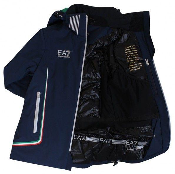 L'inno d'Italia all'interno della giacca per Sochi