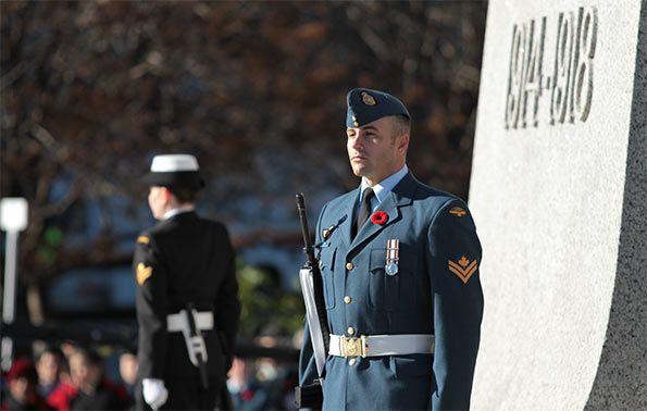 Un soldato canadese nel Remembrance Day