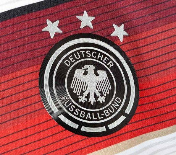 Stemma DFB maglia Germania 2014