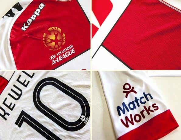Melbourne Hearts Third Shirt 13-14 dettagli