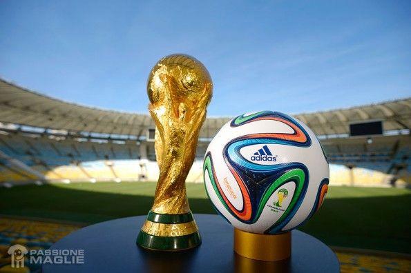 Pallone adidas Brazuca World Cup 2014