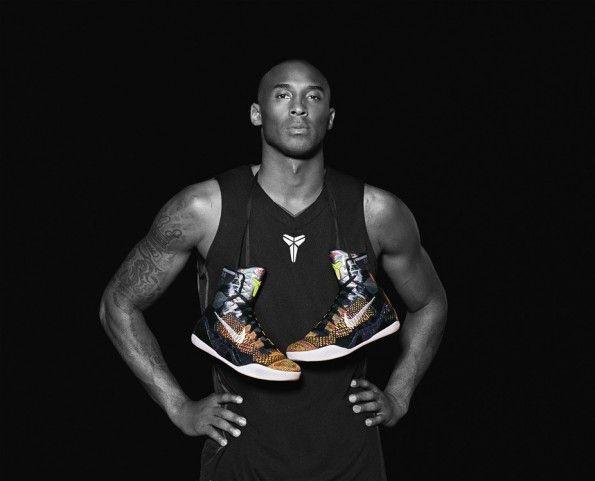 Bryant con le scarpe Nike Kobe 9 elite