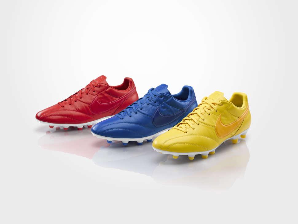 5246a723fec Ode aan de zwarte voetbalschoen  2  Opdat wij nooit vergeten. Sta op tegen  gekleurde voetbalschoenen!  Textversie  - Wij Zijn Voetbal forum - Jouw  basis!
