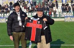 Tifoso Pro Vercelli premio terza maglia