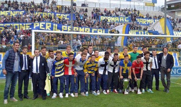 Centenario Parma sfilata maglie storiche