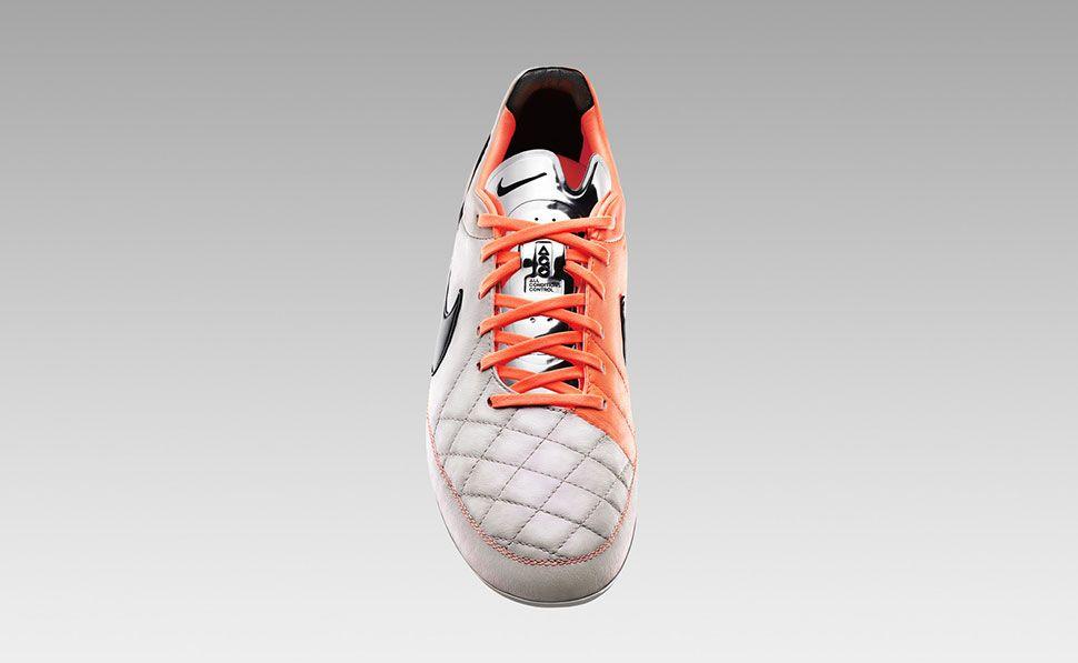 Scarpa Tiempo Legend V Nike