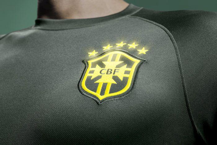 Stemma Brasile terza maglia verde 2014