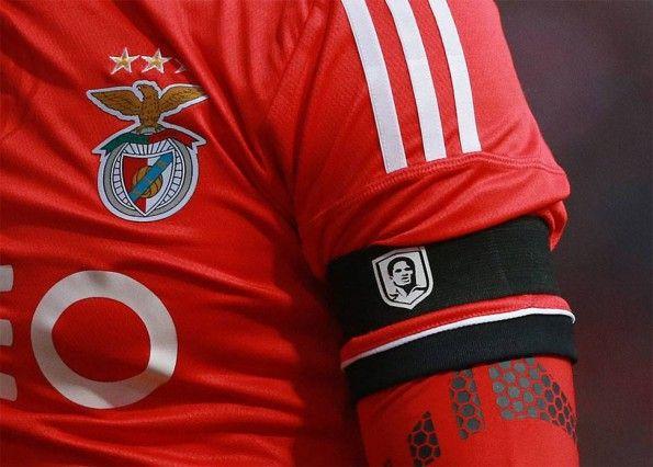 Lutto braccio Benfica-Porto per Eusébio
