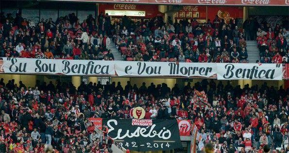 Striscione Eusèbio Benfica
