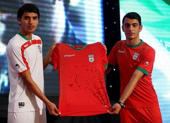 Seconda maglia Iran 2014 Uhlsport