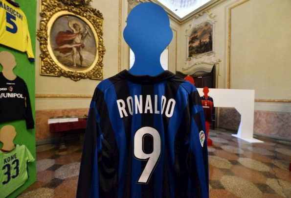 Maglia Ronaldo Inter mostra Fede Calcistica