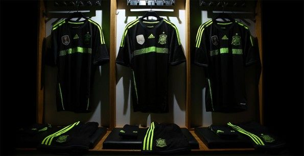 Divisa away Spagna 2014 Mondiali