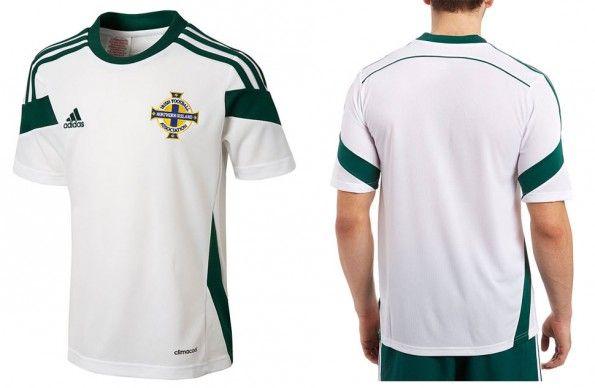 Seconda maglia Irlanda del Nord 2014-15