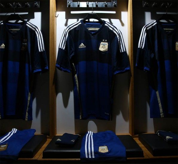 Kit Argentina away 2014 adidas