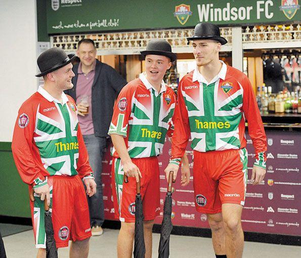 Windsor FC 2014 divisa home