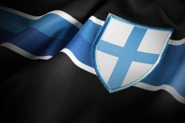 Lo scudo crociato cittadino sulla terza maglia del Marsiglia in stile Sampdoria