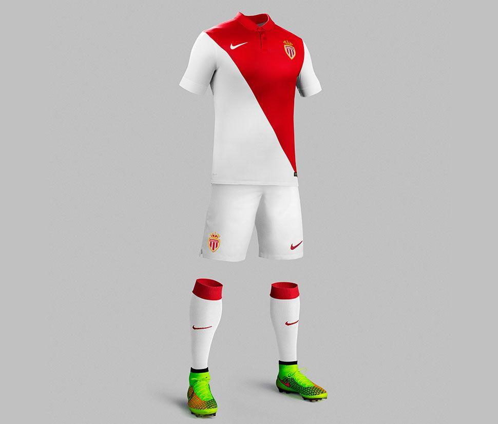 Maglia Monaco 2014-2015 Nike dal design tradizionale