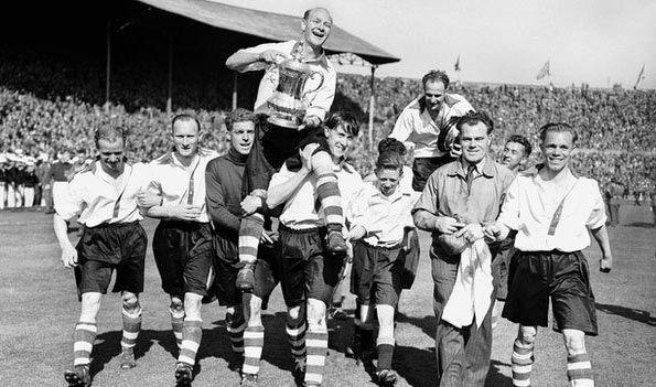 Il Charlton vincitore della FA Cup nel 1947