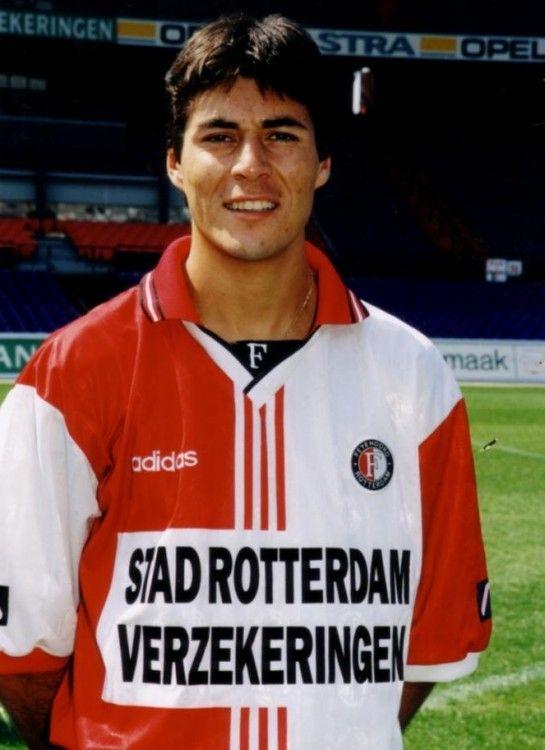 Julio Cruz con la maglia Feyenoord 1997-1998